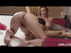 GIRLCORE boss cougar Alexis Fawx licks Out April O'Neil