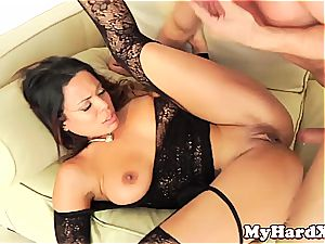 mischievous Latina Luna star pussyfucked