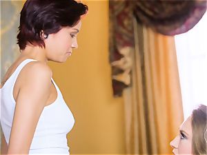Kagney Linn Karter loves seducing her fresh secretary