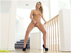 Carter Cruise loses her yellow lingerie for solo labia joy