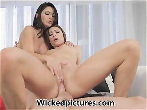 Victoria Lawson and Nikki Daniels in a sizzling fuckshare