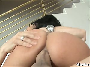wild Anissa Kate rails a gigantic man-meat deep in her culo