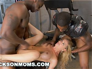 Cherie Deville auditions to be the crew tramp (xa15243)