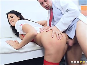 Keiran Lee shoots is blast all over Reagan Foxx