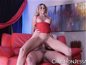 Jessa Rhodes finds herself a rebound boink