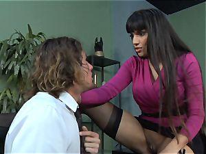Mercedes Carrera gets an employees man rod deep inwards her
