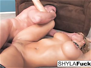Shyla's rock hard ass fucking pummel and a facial cumshot