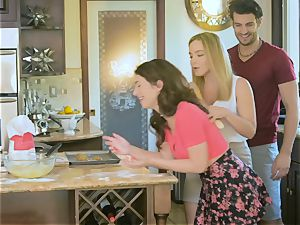 Upside down cooter pulverizing Natasha ultra-cute and Joseline Kelly in the kitchen