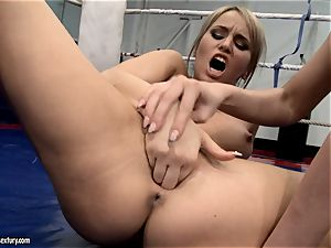 Aleksa Diamond and Larissa Dee tickle their trendy