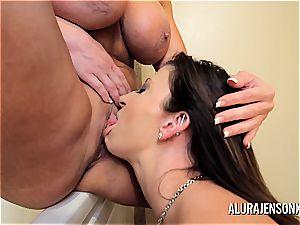cougar Alura Jenson Sara Jay girl/girl buttfuck and fuckbox fun