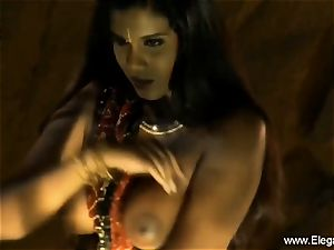 Bolly babe Desi Indian mummy