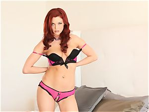 red-haired Jayden Cole peels off her underwear and thumbs her slot