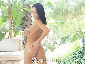 uber-sexy Megan Rain humped