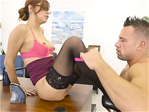 manager Jade Jantzen fellates and plumbs a yam-sized dicked worker