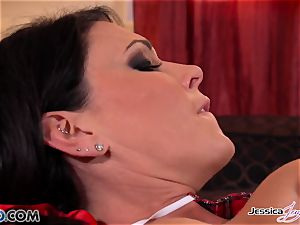 Jessica Jaymes and Nikki tear up each other, meaty boobs