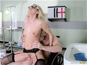 scorching doc Jessa Rhodes checks out this fat fuckpole