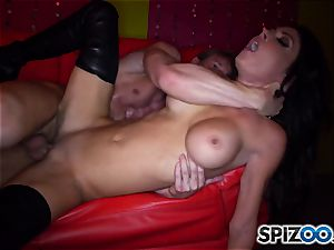 mind-blowing stripper Jessica Jaymes rides her client rock-hard