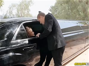 Jessa Rhodes plumbed in the limo